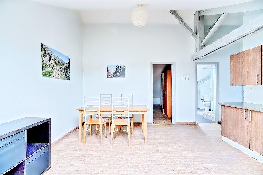 Appartement à louer 2 29m2 à Limoges vignette-4