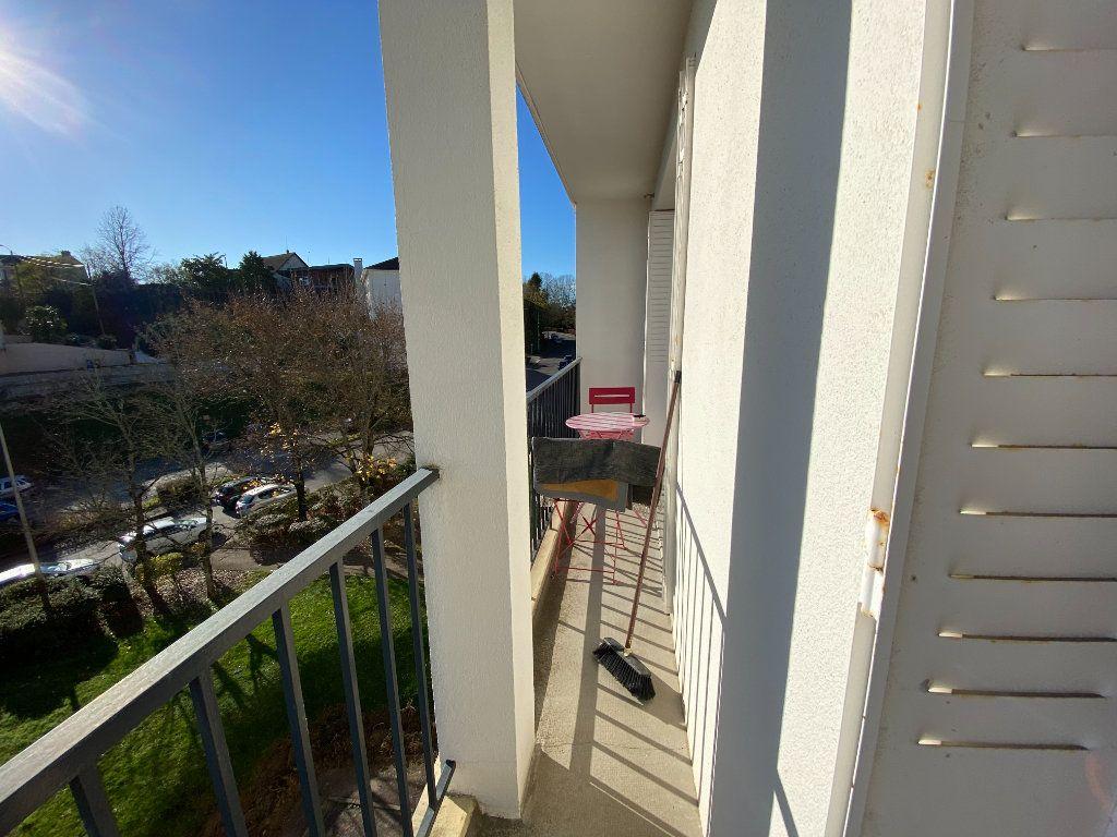 Appartement à louer 4 69.43m2 à Limoges vignette-3