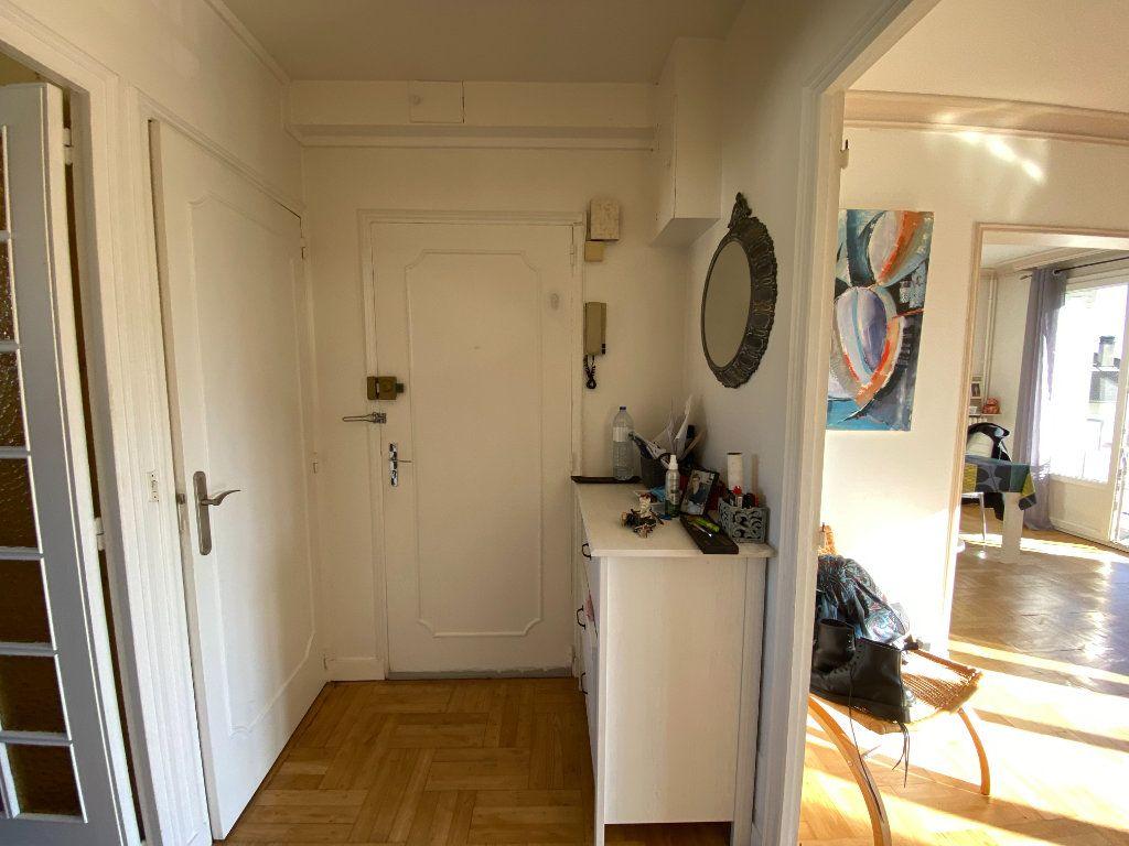 Appartement à louer 4 69.43m2 à Limoges vignette-5