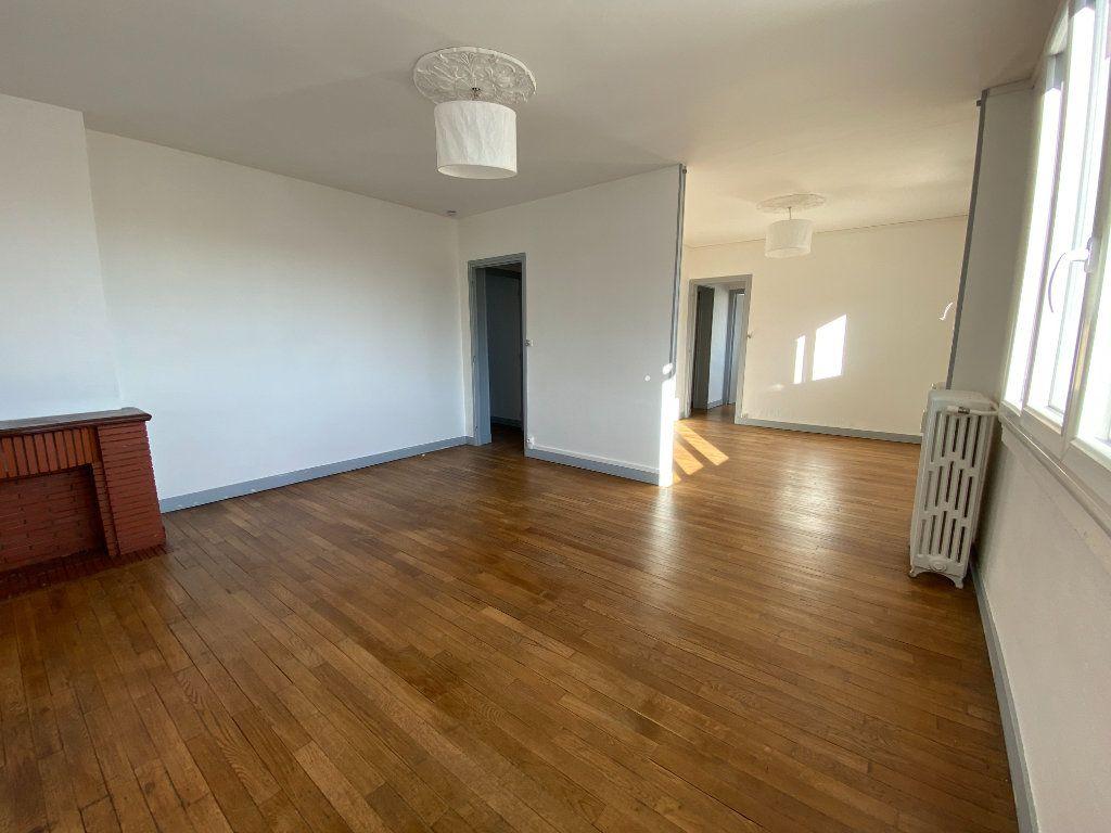 Appartement à louer 4 71.76m2 à Limoges vignette-1