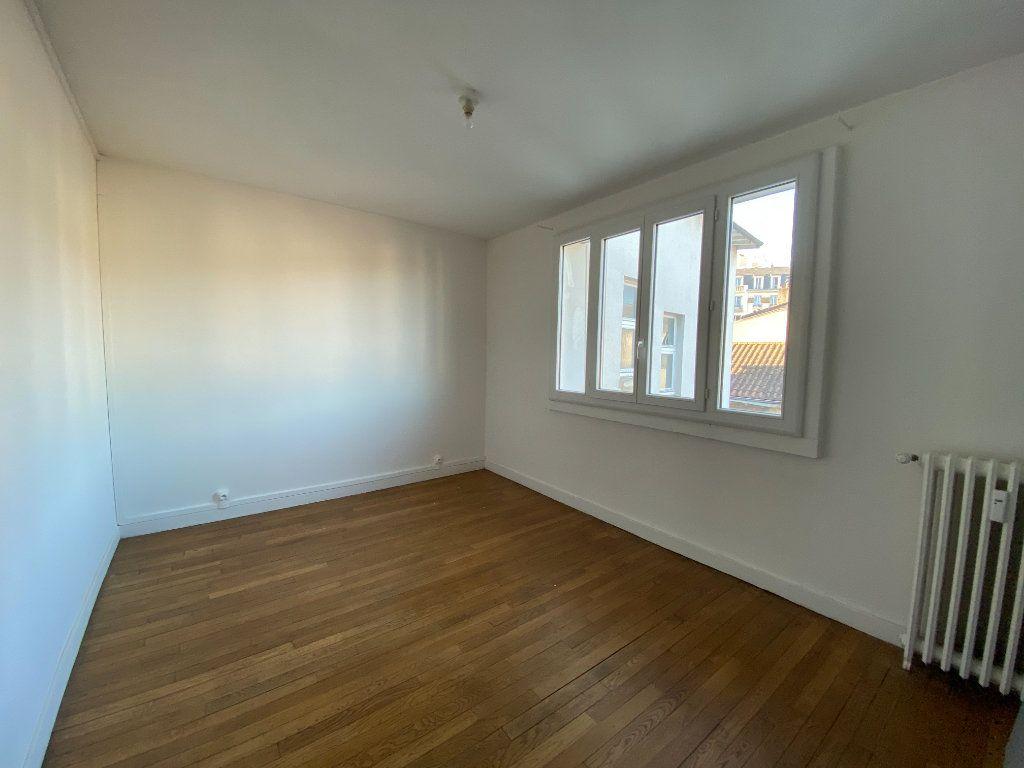 Appartement à louer 4 71.76m2 à Limoges vignette-5
