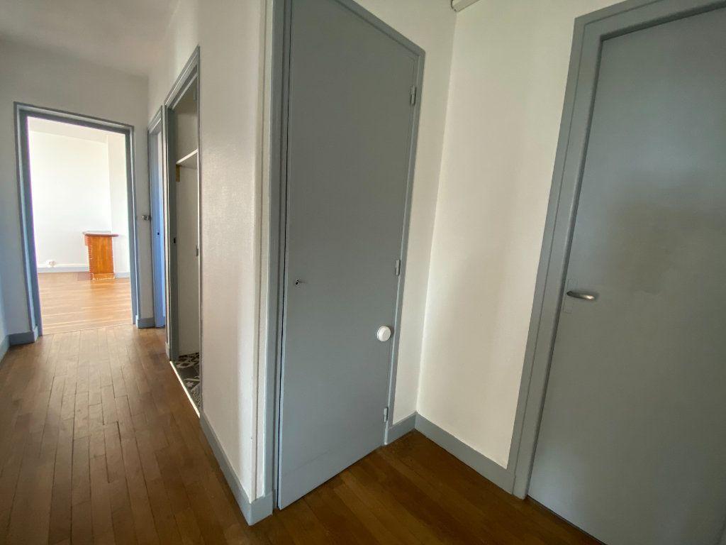 Appartement à louer 4 71.76m2 à Limoges vignette-6