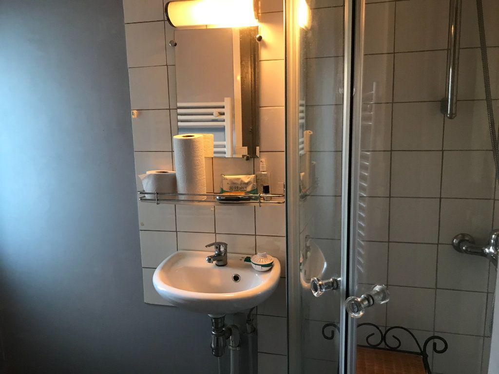 Appartement à louer 1 17.39m2 à Limoges vignette-3
