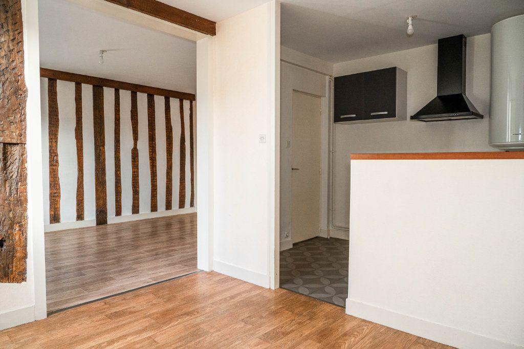 Appartement à louer 4 64.1m2 à Limoges vignette-1