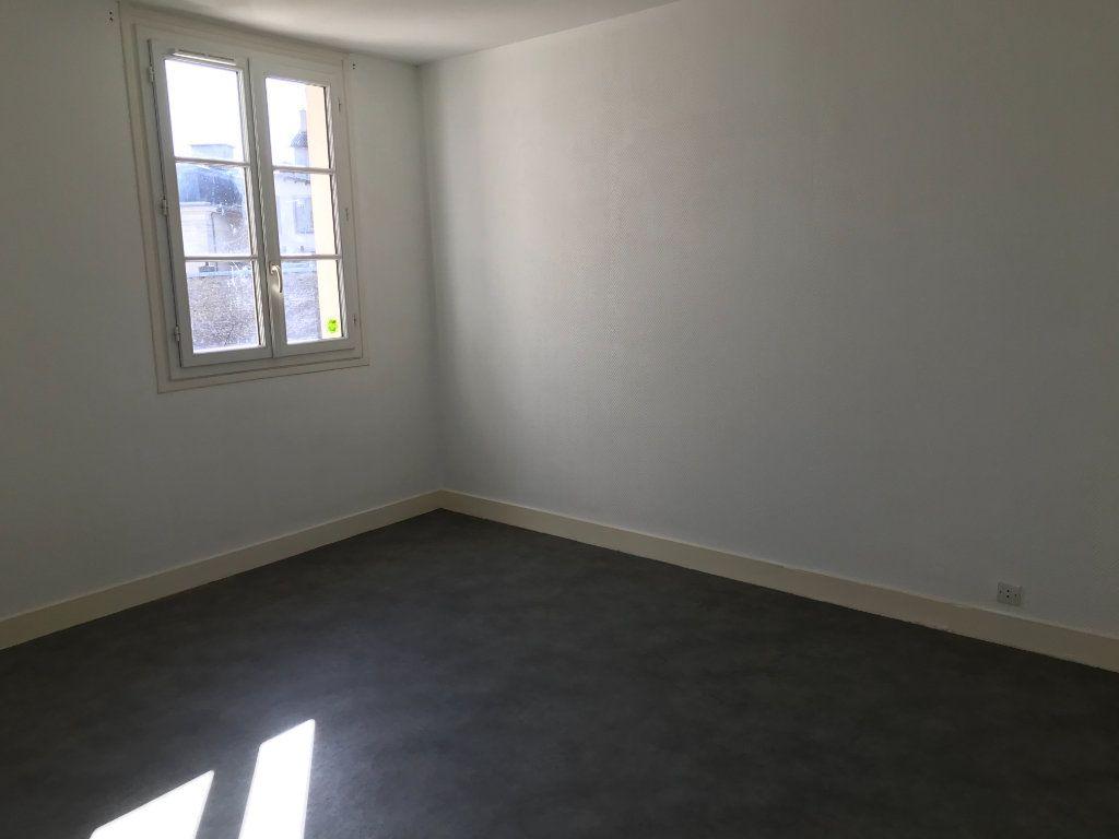Appartement à louer 4 64.1m2 à Limoges vignette-9
