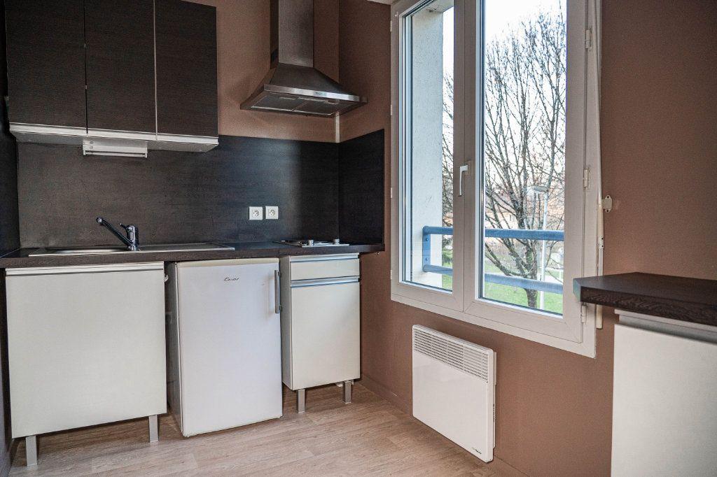 Appartement à louer 1 23.89m2 à Limoges vignette-1