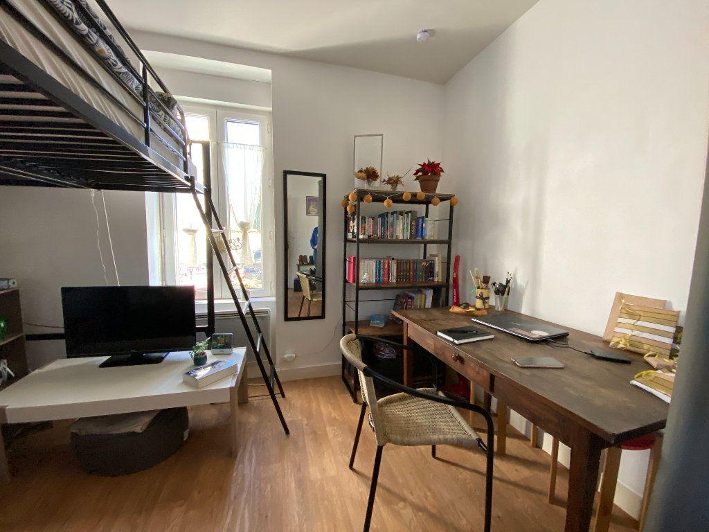 Appartement à louer 1 18.3m2 à Limoges vignette-1