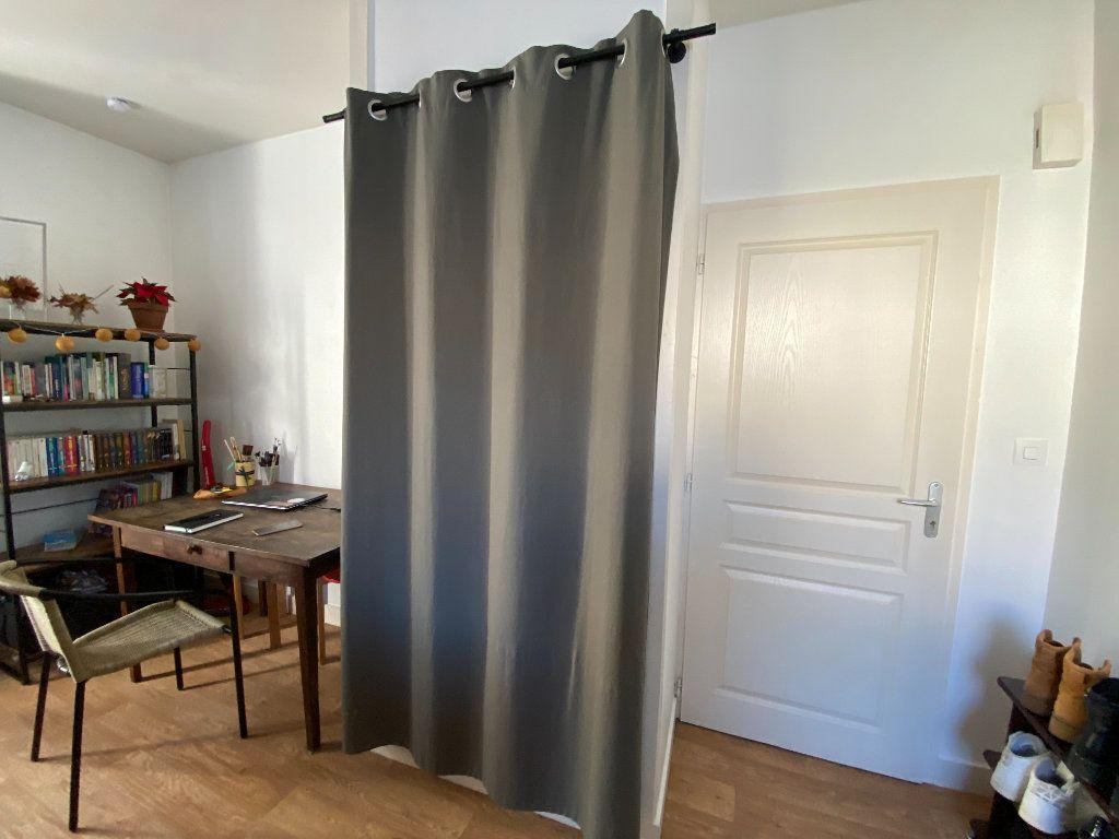 Appartement à louer 1 18.3m2 à Limoges vignette-5