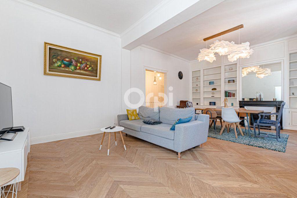 Appartement à vendre 5 125.85m2 à Limoges vignette-1