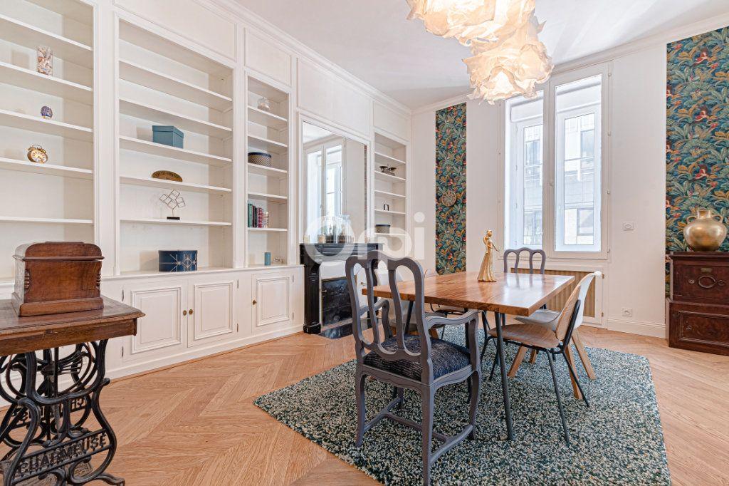 Appartement à vendre 5 125.85m2 à Limoges vignette-2