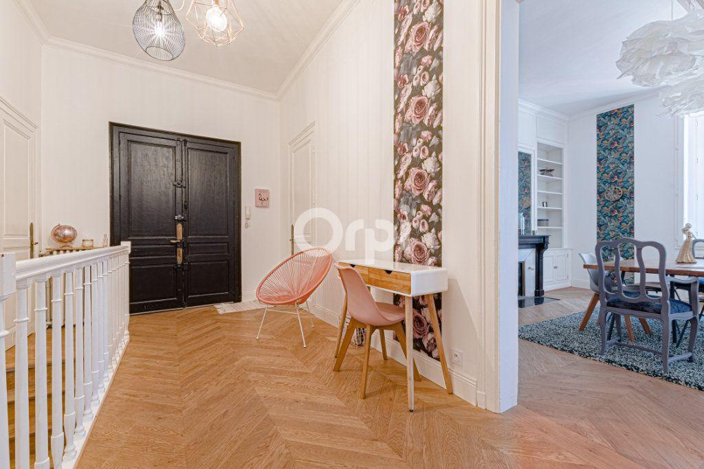Appartement à vendre 5 125.85m2 à Limoges vignette-3
