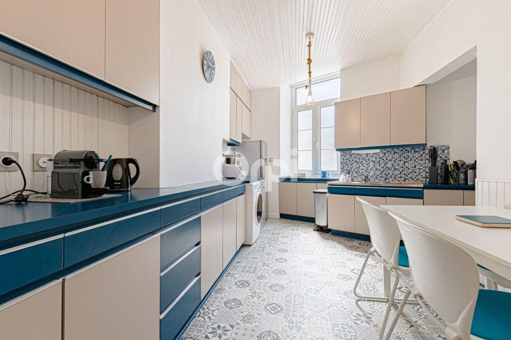 Appartement à vendre 5 125.85m2 à Limoges vignette-5