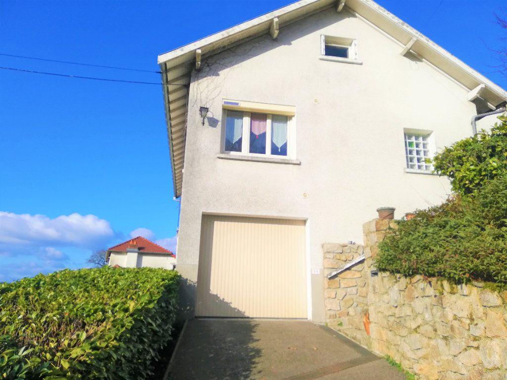 Maison à vendre 8 174.9m2 à Saint-Léonard-de-Noblat vignette-2