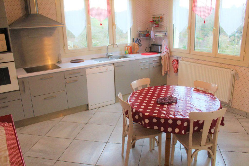 Maison à vendre 8 174.9m2 à Saint-Léonard-de-Noblat vignette-4
