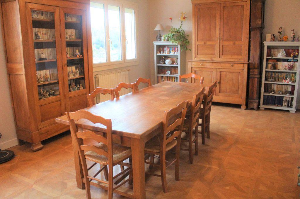 Maison à vendre 8 174.9m2 à Saint-Léonard-de-Noblat vignette-5