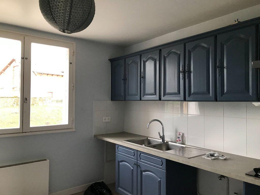 Appartement à louer 5 99.05m2 à Panazol vignette-2