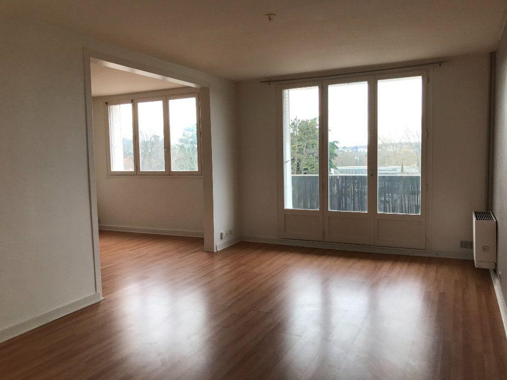 Appartement à louer 5 99.05m2 à Panazol vignette-3
