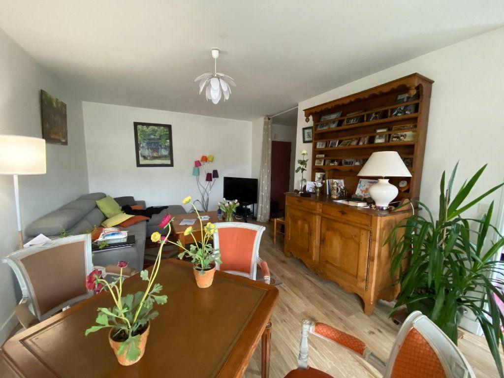 Appartement à louer 3 66.53m2 à Limoges vignette-1