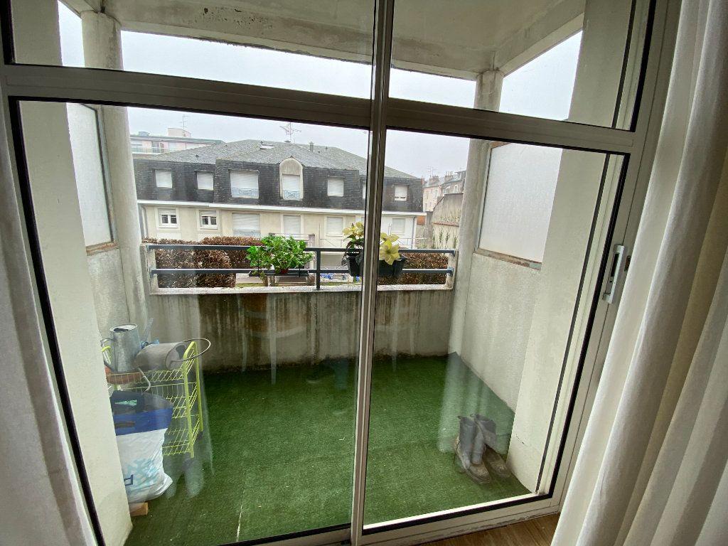 Appartement à louer 3 66.53m2 à Limoges vignette-3