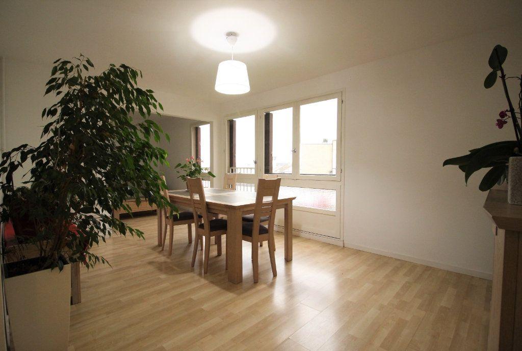 Appartement à vendre 5 97m2 à Limoges vignette-2