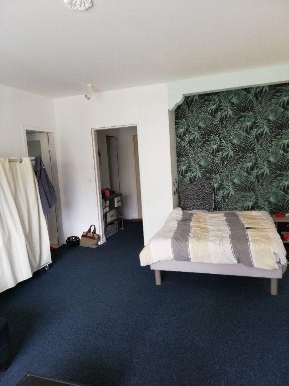 Appartement à louer 1 39.77m2 à Limoges vignette-1