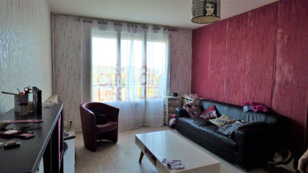 Appartement à vendre 3 64m2 à Limoges vignette-1