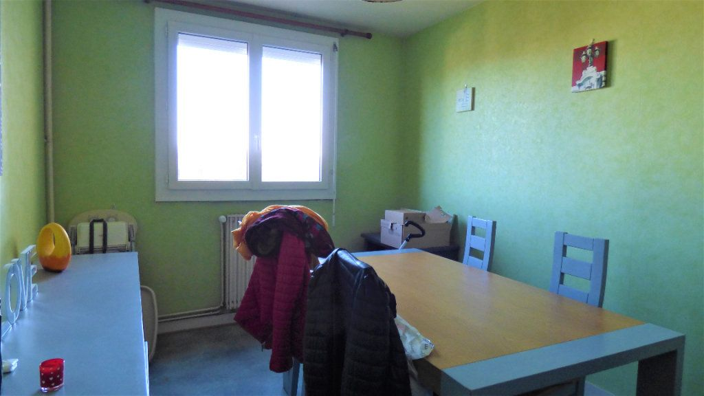 Appartement à vendre 3 64m2 à Limoges vignette-2