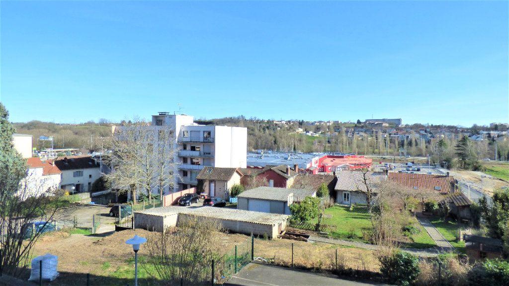 Appartement à vendre 3 64m2 à Limoges vignette-3
