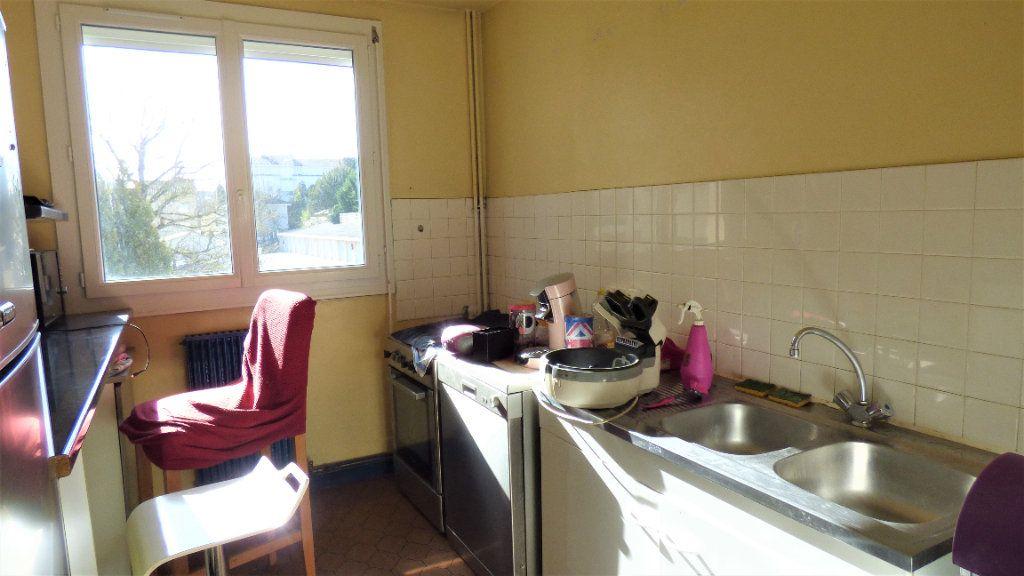 Appartement à vendre 3 64m2 à Limoges vignette-4
