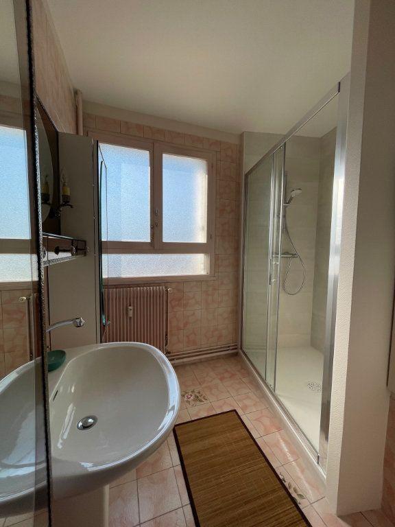 Appartement à louer 2 71.43m2 à Limoges vignette-7
