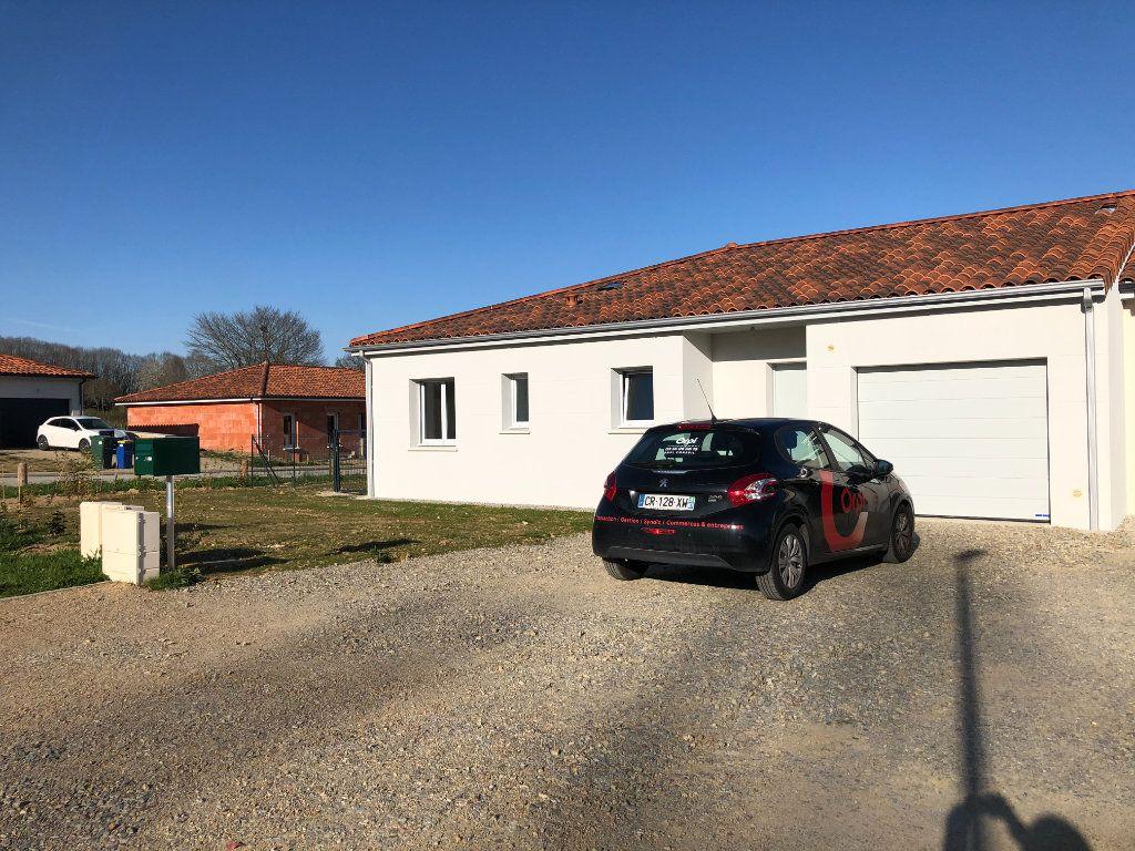 Maison à louer 4 100.42m2 à Limoges vignette-1