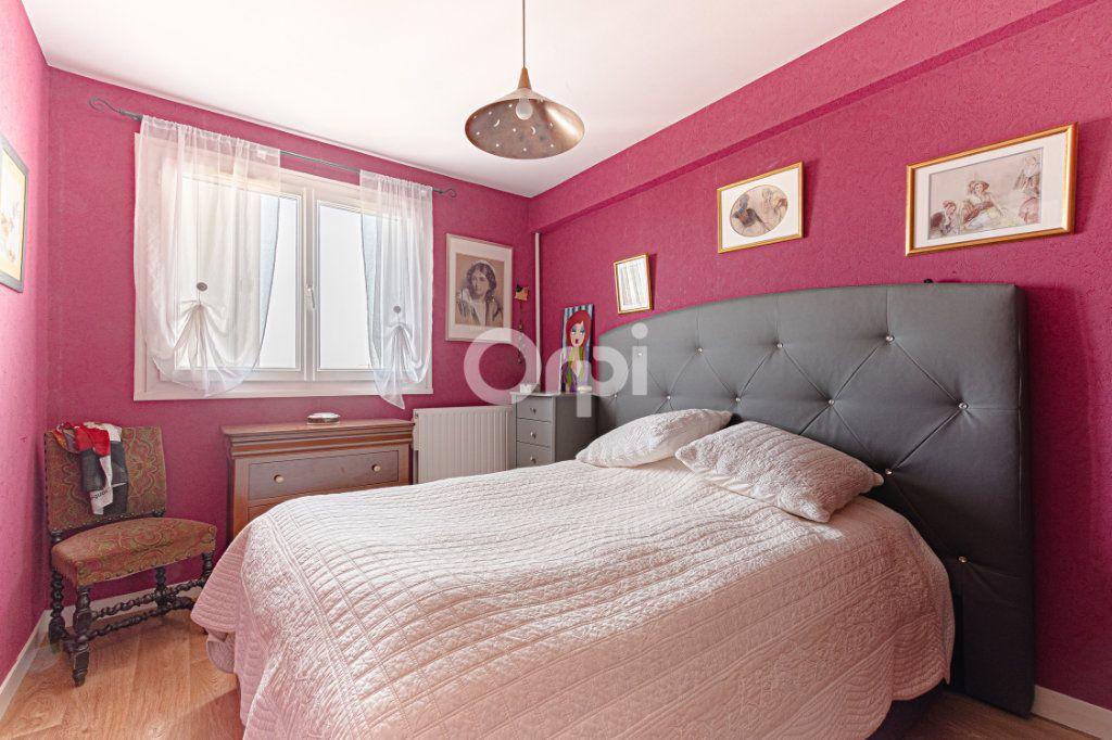 Appartement à vendre 4 83m2 à Limoges vignette-8