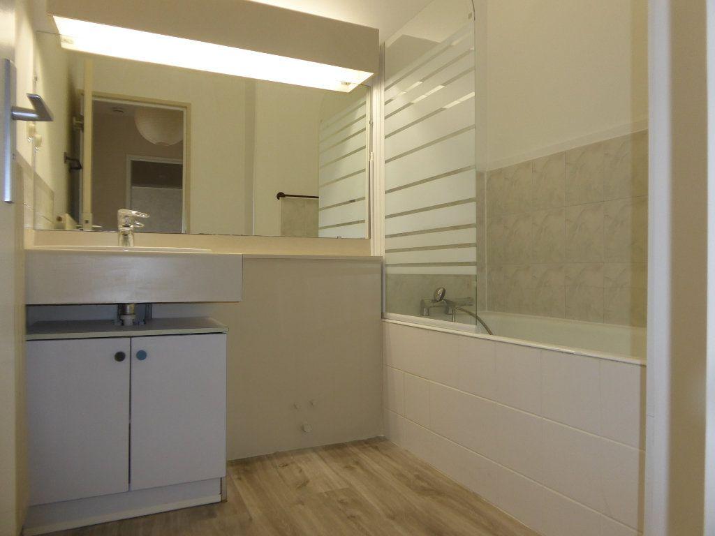 Appartement à louer 2 50.43m2 à Limoges vignette-4