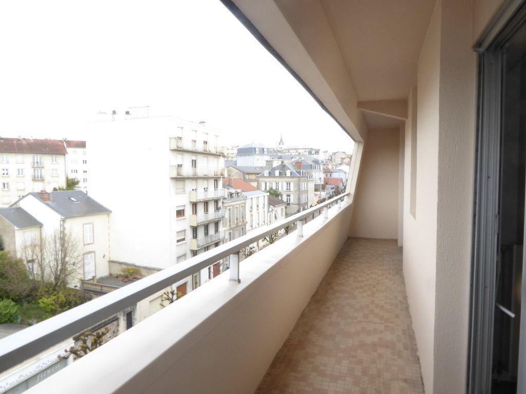 Appartement à louer 2 50.43m2 à Limoges vignette-5