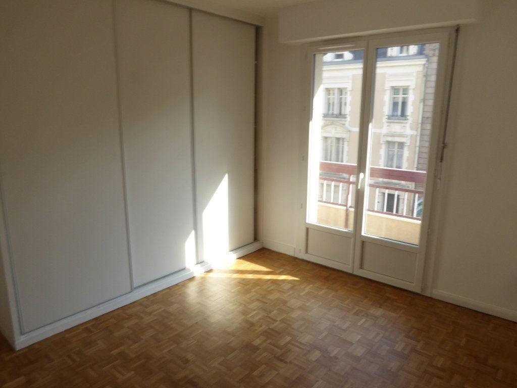 Appartement à louer 3 84.71m2 à Limoges vignette-6