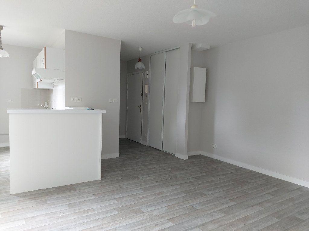 Appartement à louer 2 47.77m2 à Limoges vignette-1