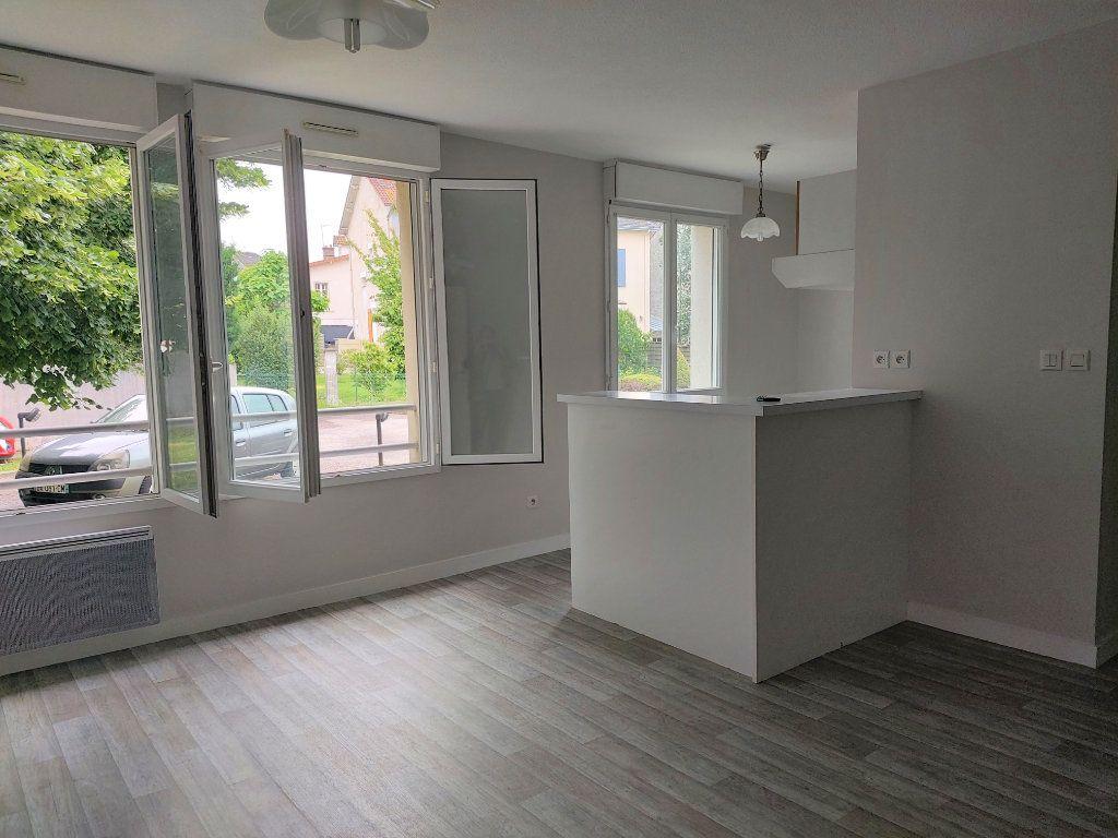Appartement à louer 2 47.77m2 à Limoges vignette-3