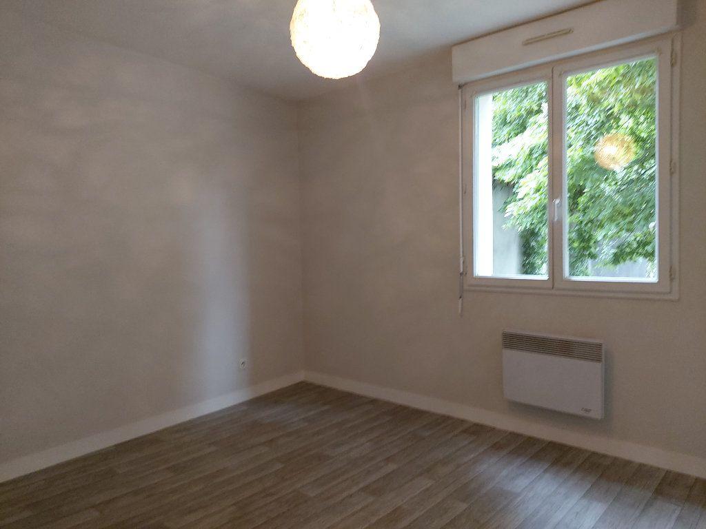 Appartement à louer 2 47.77m2 à Limoges vignette-4