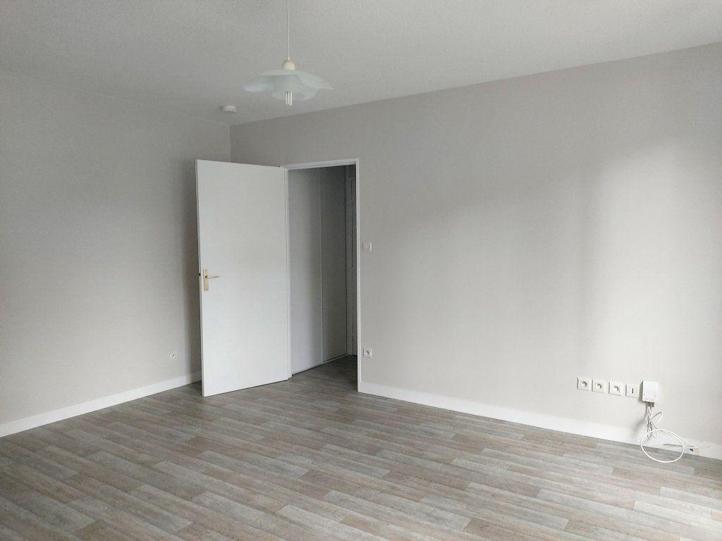 Appartement à louer 2 47.77m2 à Limoges vignette-6