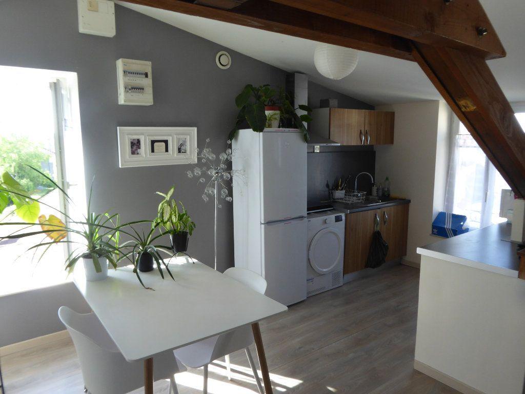 Appartement à louer 3 40m2 à Limoges vignette-2
