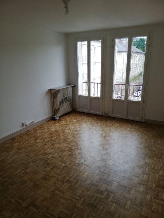Appartement à louer 2 41m2 à Limoges vignette-2