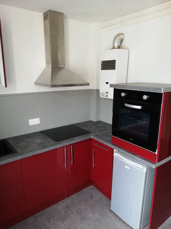 Appartement à louer 2 41m2 à Limoges vignette-3