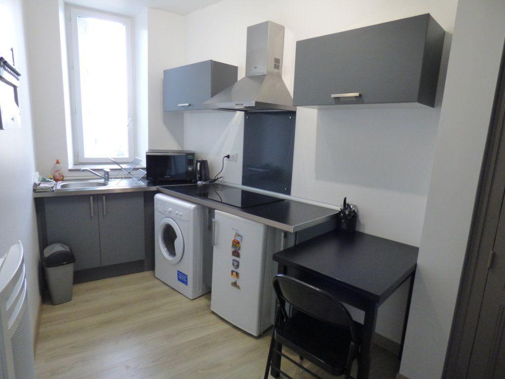 Appartement à louer 1 24.02m2 à Limoges vignette-1