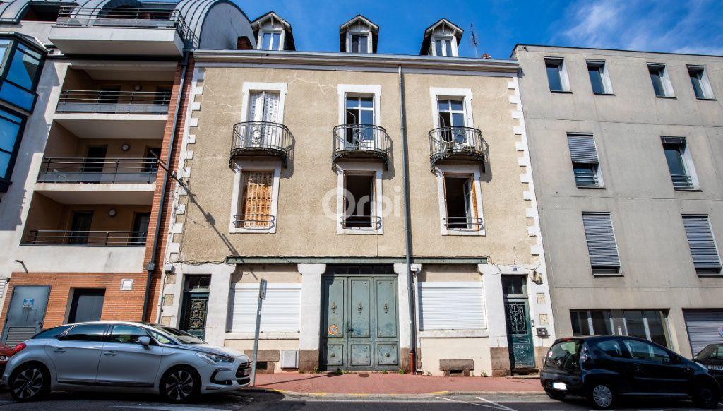 Immeuble à vendre 0 394m2 à Limoges vignette-1