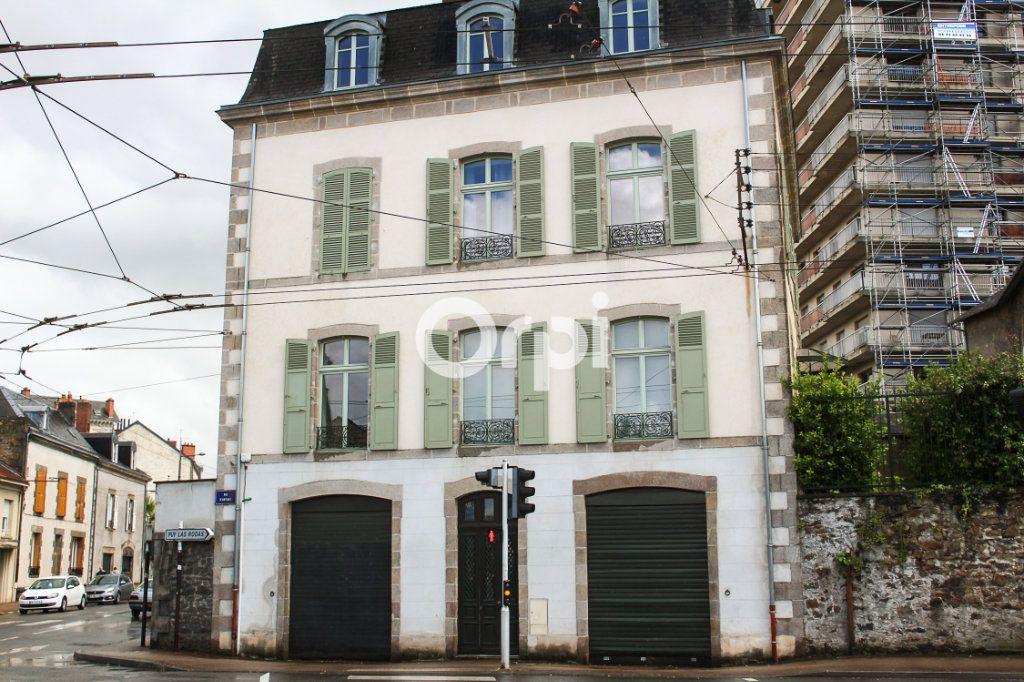 Immeuble à vendre 0 330m2 à Limoges vignette-1