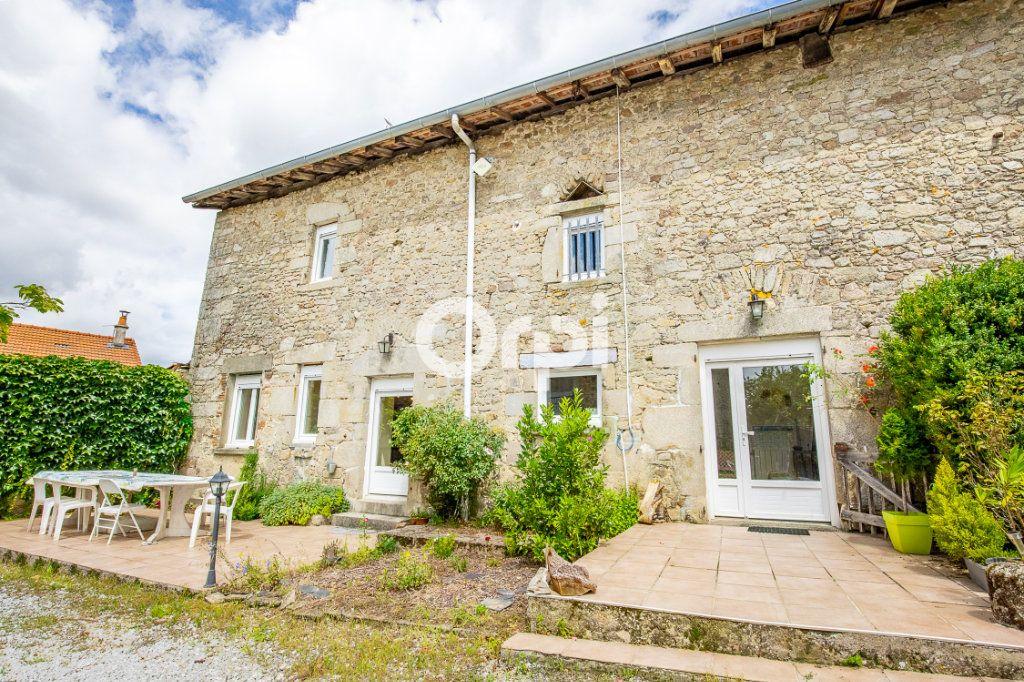 Maison à louer 5 163.56m2 à Feytiat vignette-2