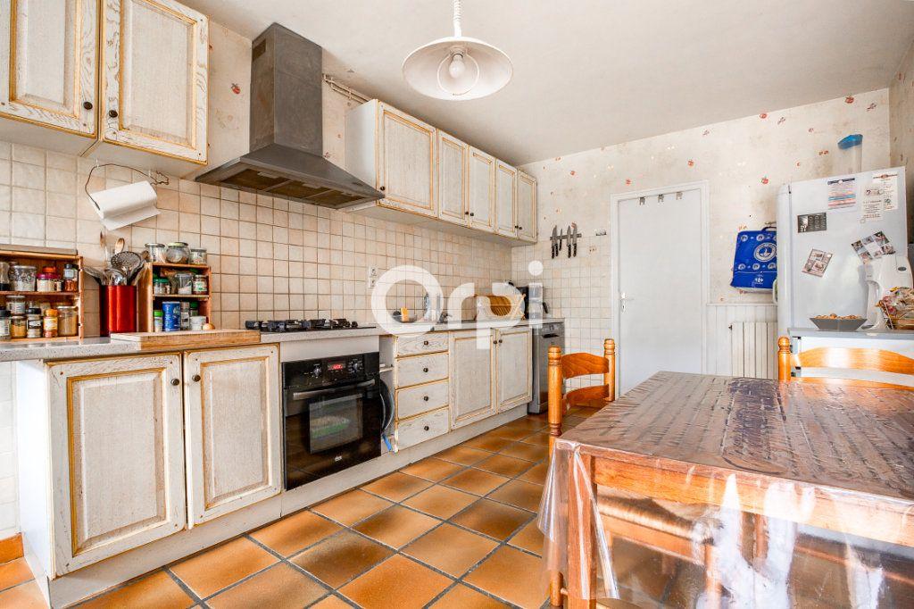 Maison à louer 5 163.56m2 à Feytiat vignette-3