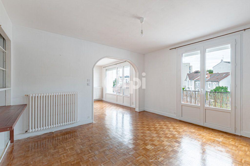 Appartement à louer 4 82.6m2 à Limoges vignette-2