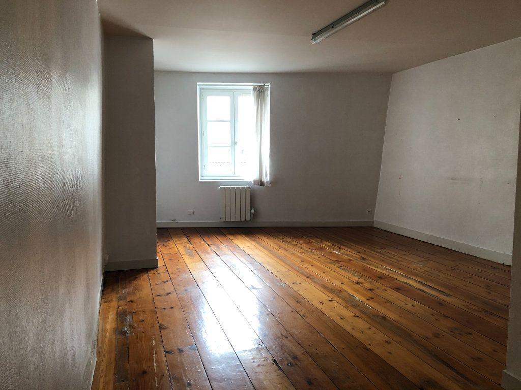 Appartement à louer 3 71.75m2 à Limoges vignette-1
