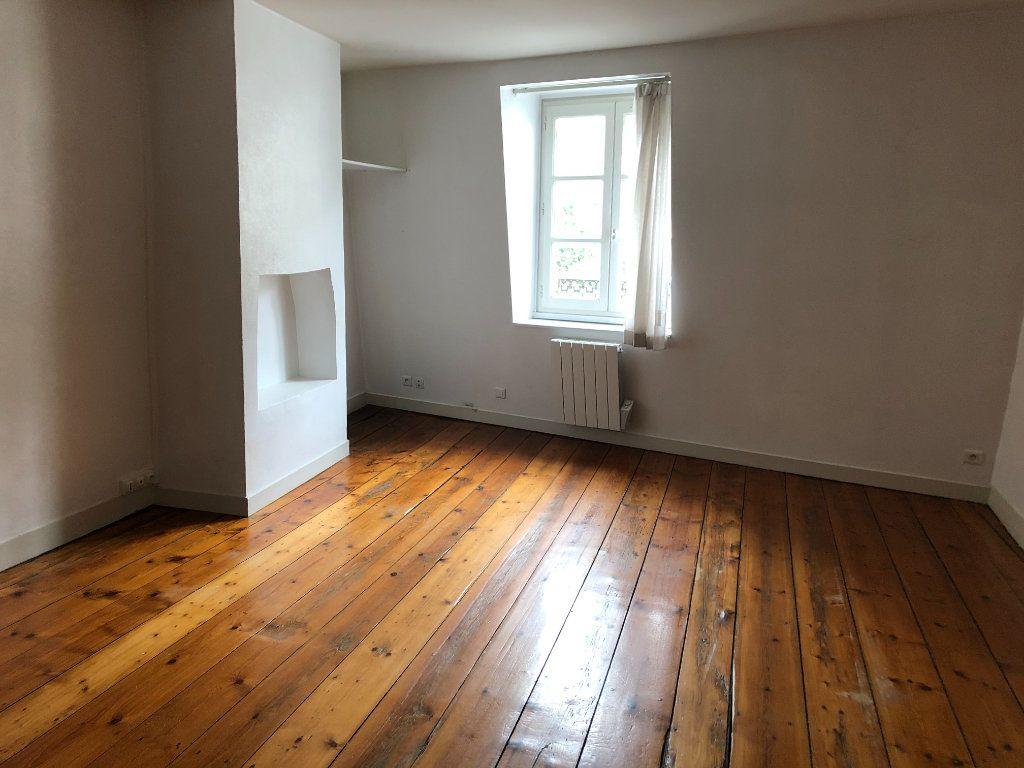 Appartement à louer 3 71.75m2 à Limoges vignette-3
